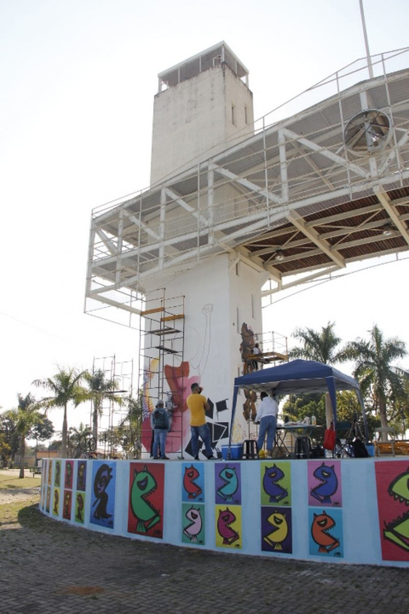 """Praça """"A Poderosa"""" recebe intervenção artística de grafite neste domingo (04/07)"""