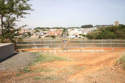Ponte de ligação do Parque Gabriel ao Jardim Novo Cambuí começa ser construída