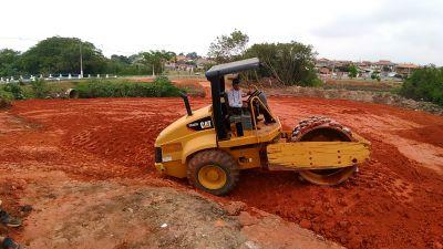 Prefeitura prepara solo para erguer ponte entre o Jd. São Sebastião e Jd. Interlagos