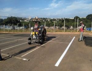 Prefeitura demarca vagas em estacionamento em frente ao Paço