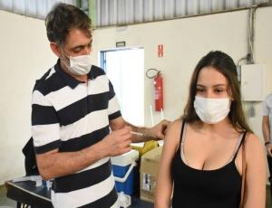 Prefeitura de Hortolândia realiza vacinação contra a COVID-19, neste sábado (16/10)