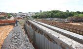 Ponte sobre o Parque Lago da Fé terá pilares da base concretados nos próximos dias
