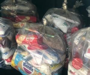 Idosos do CCMI Remanso Campineiro doam kits de alimentos para pessoas em dificuldades