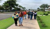 Prefeitura leva jovens atendidos pelo CCS Jd. Rosolen para conhecer a fábrica da Wickbold
